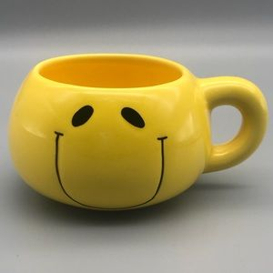 "Super Cute Smiling Emoji Coffee Mug 3""T x 4 1/2"" W"